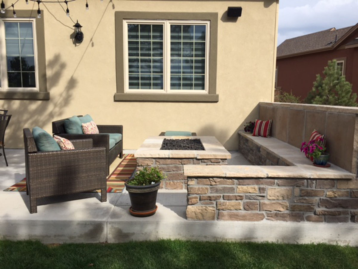 Fire Pit and Seat Wall (1) (4x3)